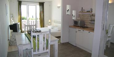 Nr.8 Zlatni Bol   Studio S2, 35m2, Badezimmer, Küche Und Schlafzimmer In  Monospace, King Size Bett, Mit Bezaubernden Südbalkon 4m2 (2. Stock)